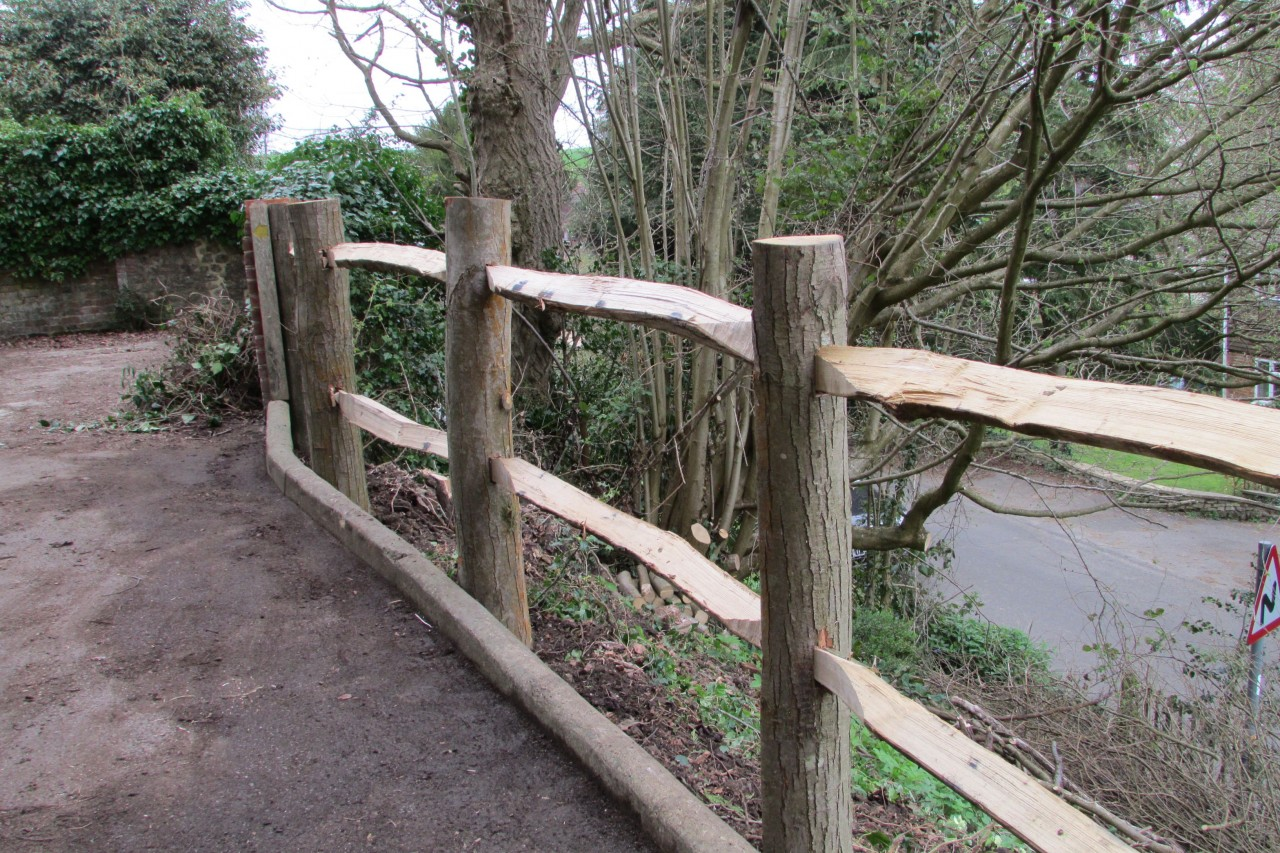 Sussex cleft chestnut fencing