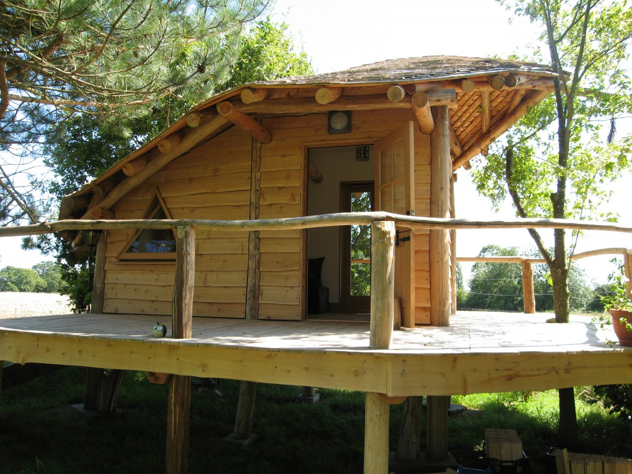 Studios, Tree houses, Retreats